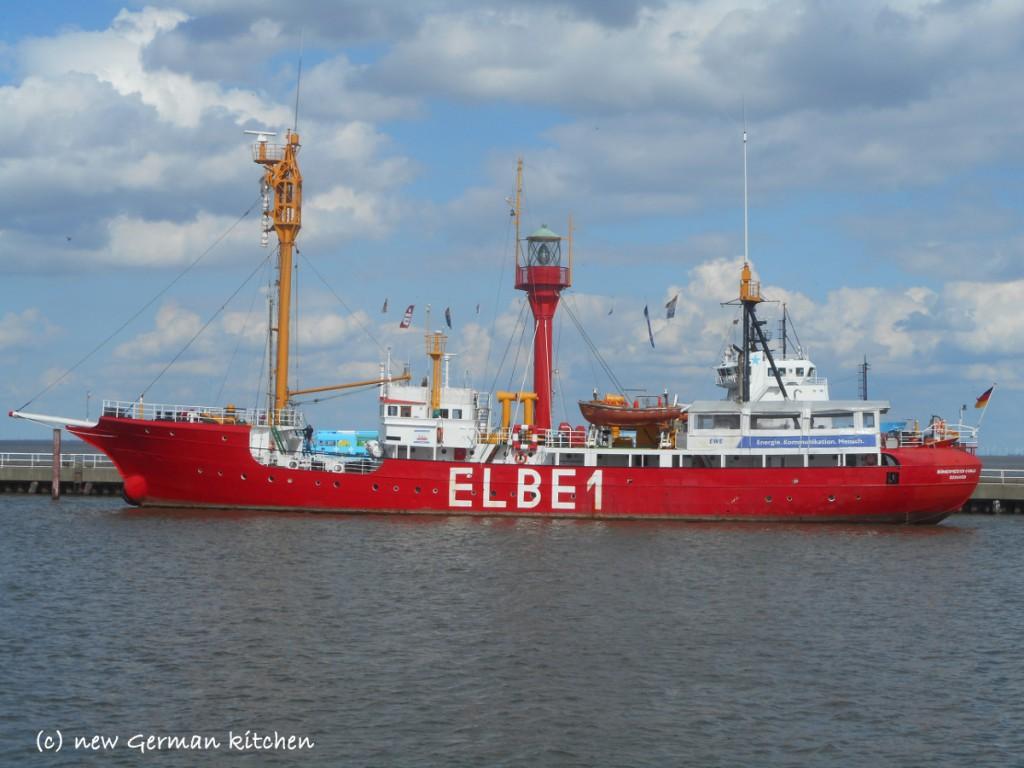 cuxhafen harbour cruise